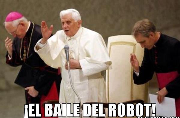 y-todos-con-el-paso-del-robot-baile-del-robot-el-papa-vaticano-chistoso