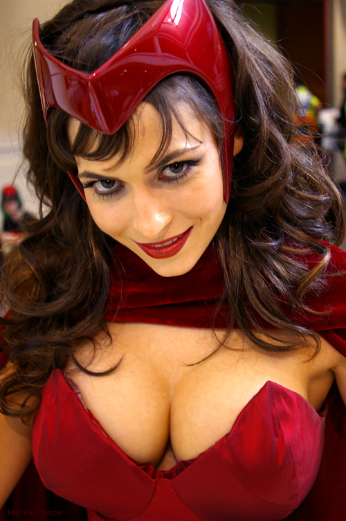Wanda. MegaCon. Orlando. 2012. Exhibit Hall Lobby Entrance Way.